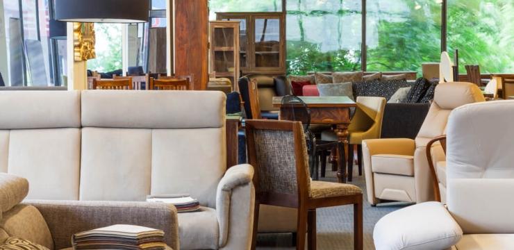 O que devo considerar antes de comprar móveis?
