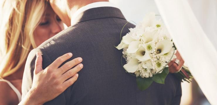 Traje para o noivo: terno ou fraque no grande dia?